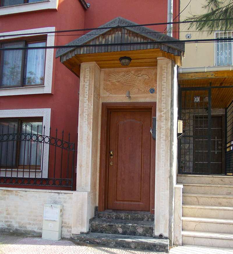 Hitit İşlemeli Pencere ve Kapı Sövesi